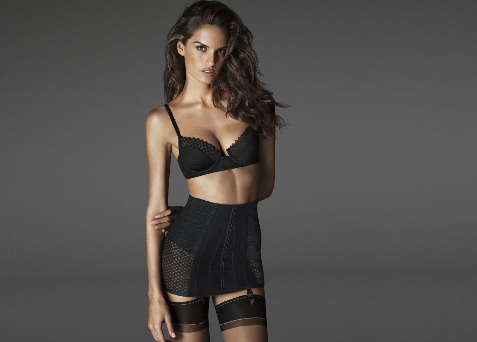 IZABEL GOULART FOR LA PERLA